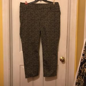 Women's Chico's Size 3, Cheetah print ankle jeans